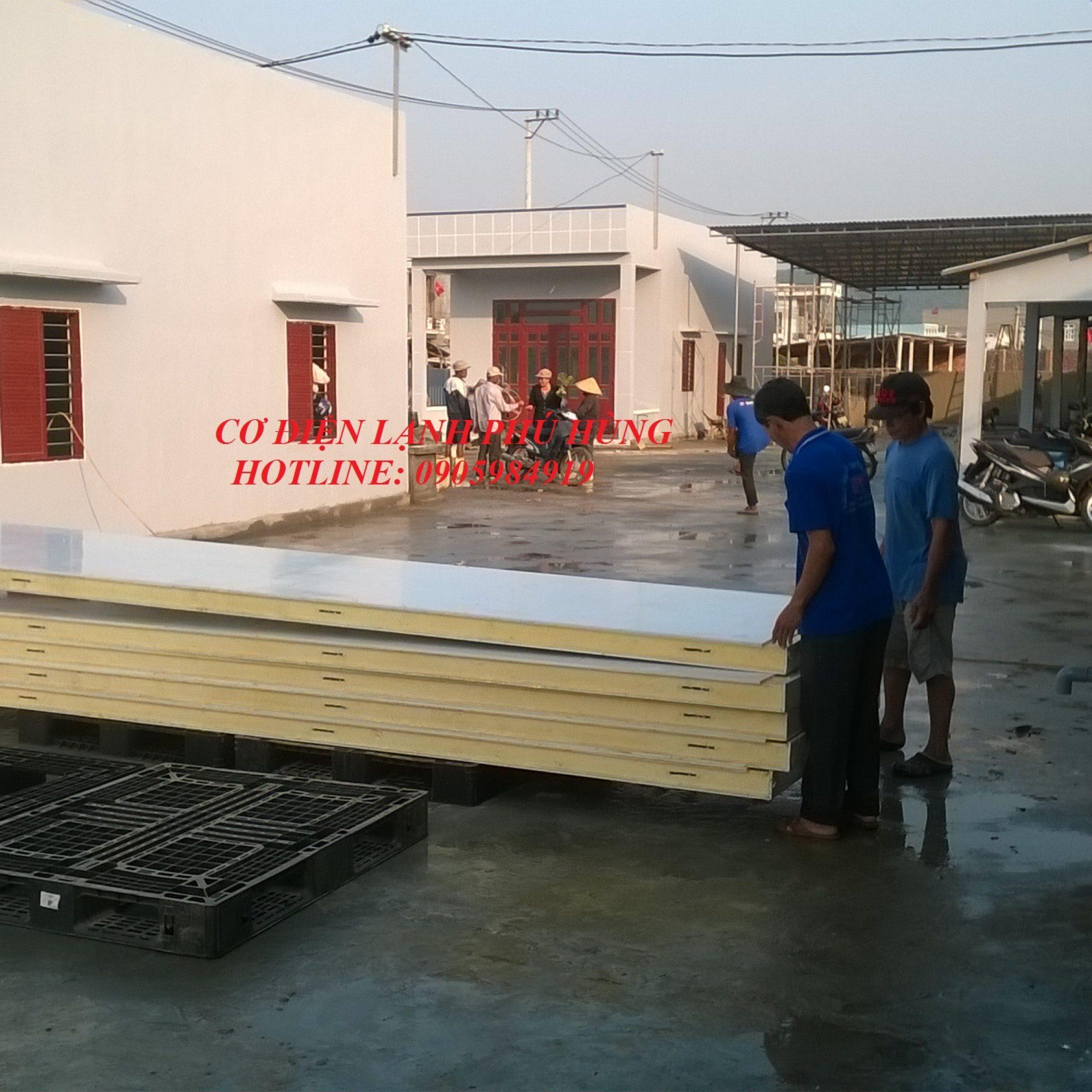 1 - Lắp đặt kho lạnh tại cảng cá Sa Huỳnh Quảng Ngãi